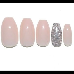Static Nails Reusable Pop on Manicure